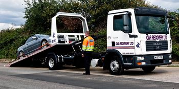-It's 'like for like' again, as Car Recovery chooses Dyson Hydraloaders