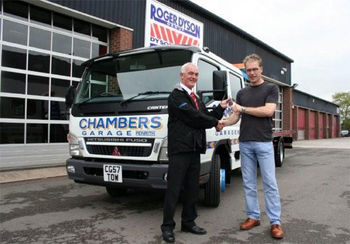 Ian Chambers leaving Dysons -Chambers Garage take delivery of their first Super Low Approach slidebed from Roger Dyson